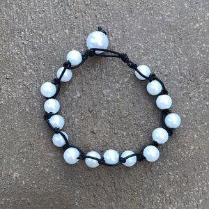 Jewelry - Black Loop pearl bracelet